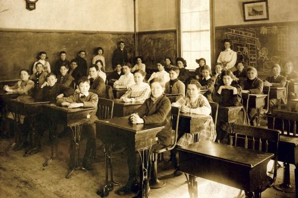 school room 1900s 2_1050x700