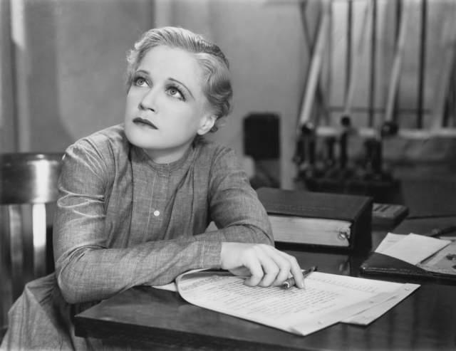 vintage-woman-writing